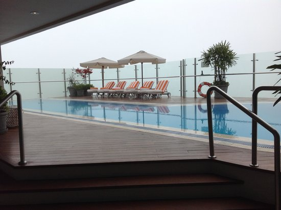 Belmond Miraflores Park: Infinity pool on top floor, next to spa, gym and breakfast room