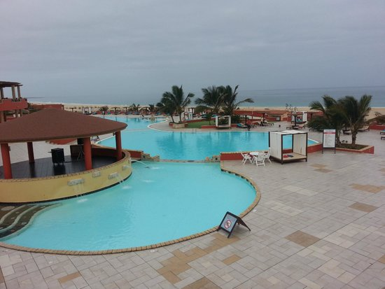 Royal Horizons Boa Vista : Piscine et plage