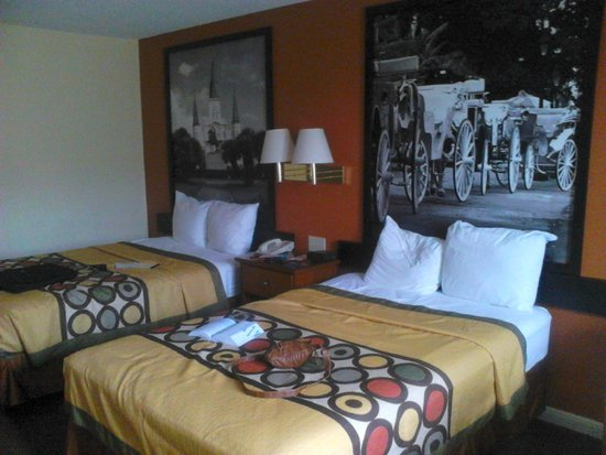 Super 8 New Orleans : Double Room with Two Double Beds - Non-Smoking
