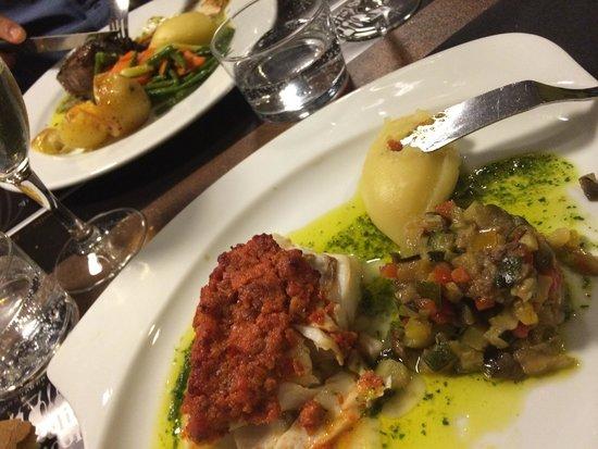 Restaurant l'Atelier de Nicolas : Dos de cabillaud en croute de chorizo superbe !