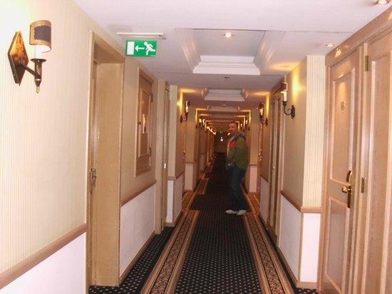 Warwick Brussels: hotel