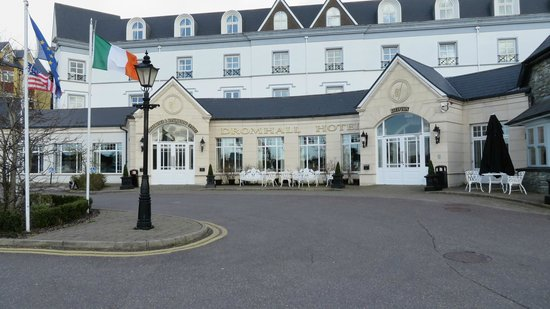 Dromhall Hotel: Front Entrance