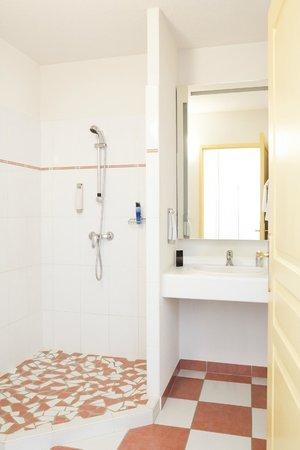 Ibis Styles Marennes Oleron : votre douche à l'italienne