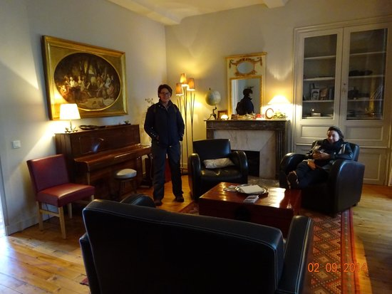 Hôtel particulier Poppa : Beautiful relaxing sitting room