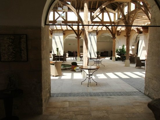 Le Couvent des Minimes Hotel et SPA L'Occitane : Atrium
