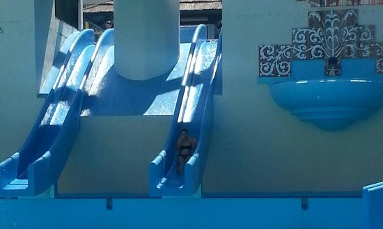 Benal Beach Complex: pool with 4 slides