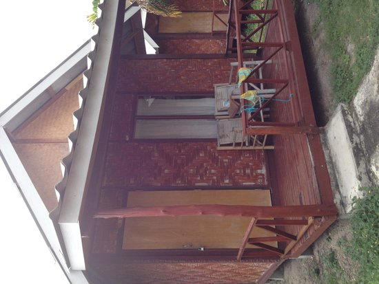 The Relax Beach Resrot: Our cute cabana