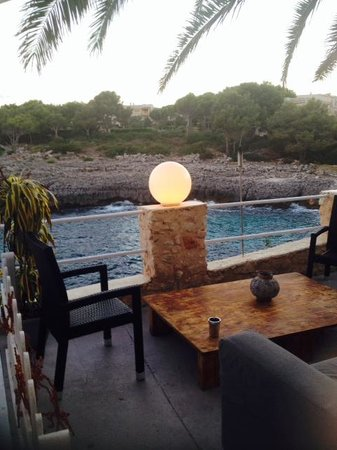 La Costa : Vista de la cala desde una de las mesas de la terraza
