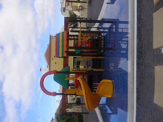 GF Isabel: piscina infantil