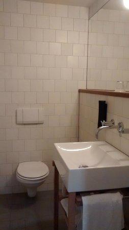Townhouse Hotel Maastricht: Bathroom