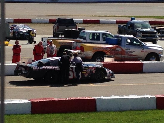 Rusty Wallace Racing Experience : Getting ready to race