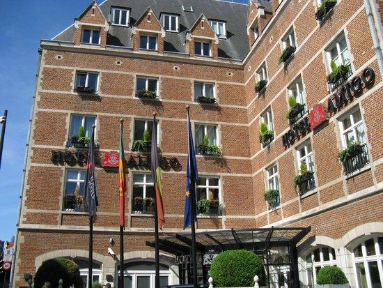 Hotel Amigo : Hotel Entrance