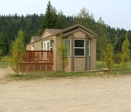 Crazy Creek Resort: Our park model cabin