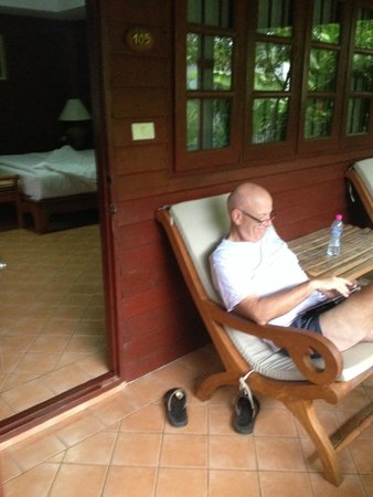 Smile House Resort: Spacious rooms with porch