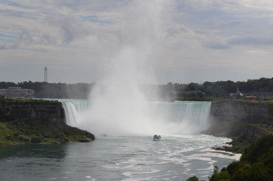 DoubleTree by Hilton Hotel Toronto Downtown : The falls !!