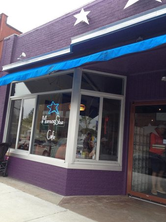 Morning Star Cafe: The store front