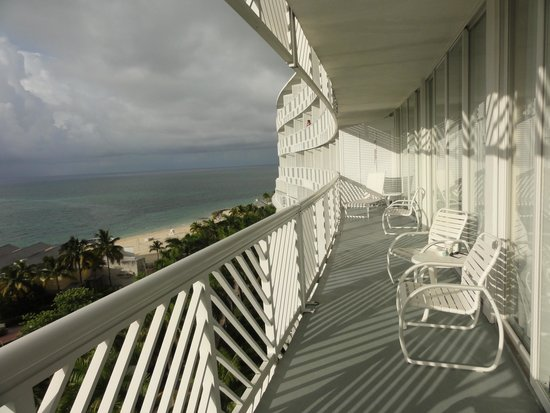 Grand Lucayan, Bahamas: ...luxury-suite 8th floor !