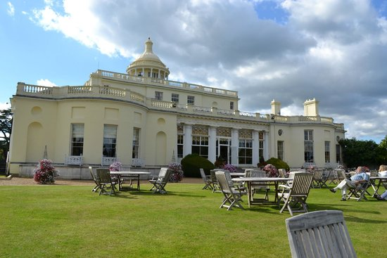 Stoke Park Country Club, Spa and Hotel: Orangery lawn