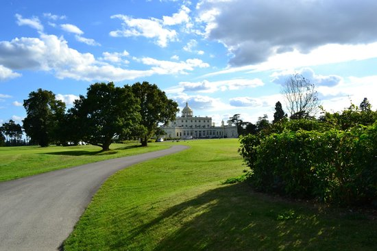 Stoke Park Country Club, Spa and Hotel: Main Entrance from afar