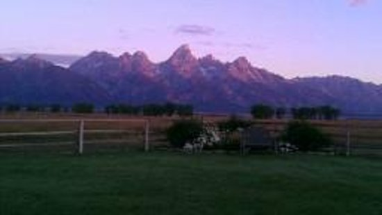 Moulton Ranch Cabins: View from the deck in the morning