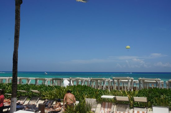 The Royal Playa del Carmen: Beach view from activity pool area