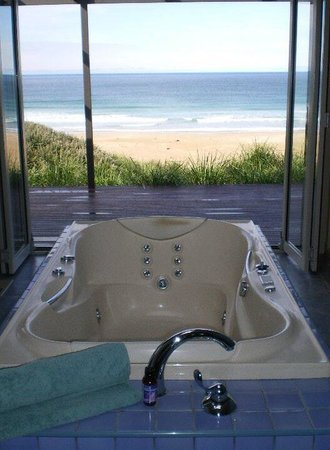 Chocolate Gannets: Amazing spa with fireplace and views!!