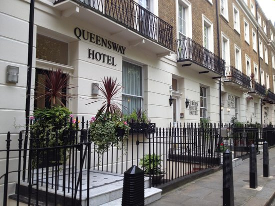 Queensway Hotel: outside the hotel