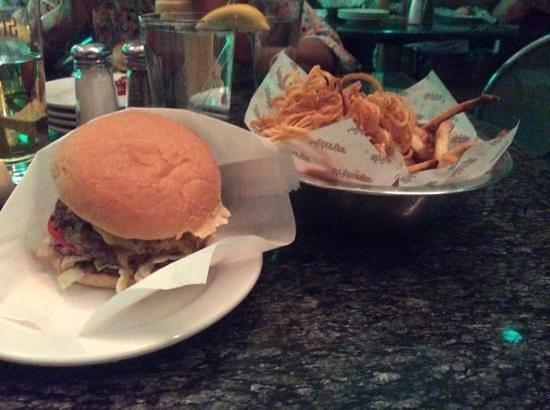 Stripburger : double burger.