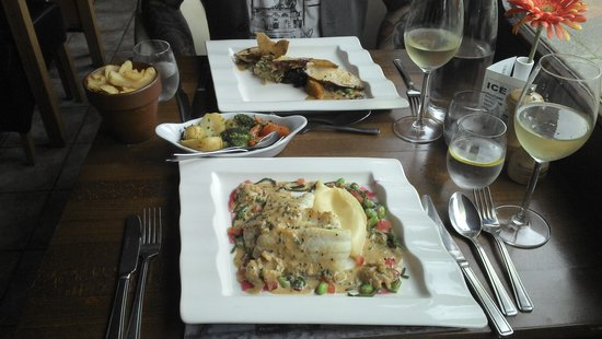 Watson's Bistro: the plaice and the chicken confit dishes