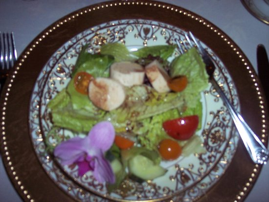 Mont Rest Inn : 4th course, salad with hearts of palm, Gatsby dinner