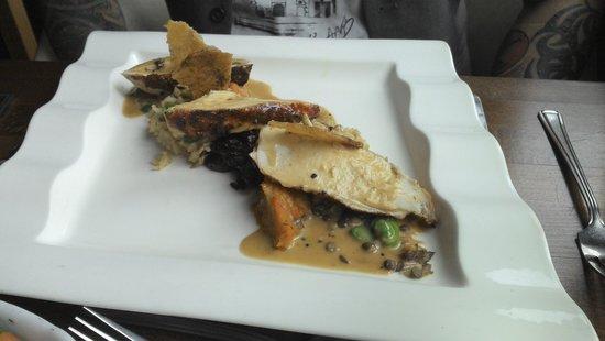 Watson's Bistro: chicken confit dish