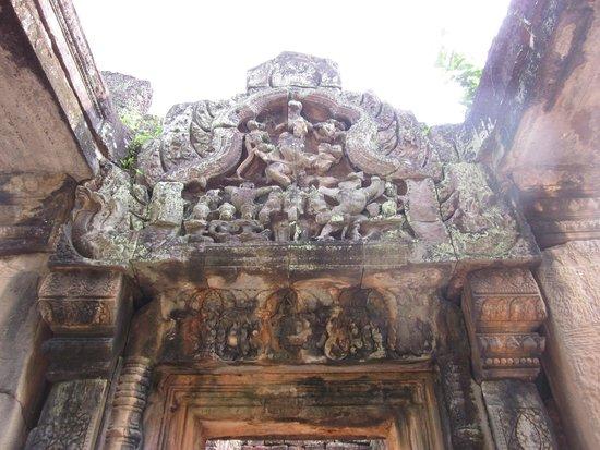 Banteay Samre: Inside temple