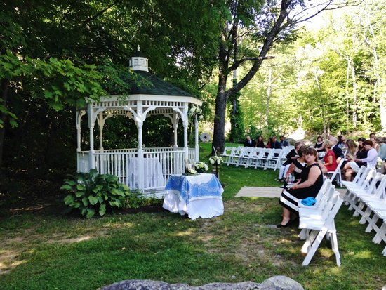 The Wentworth: Wedding Gazebo by the river