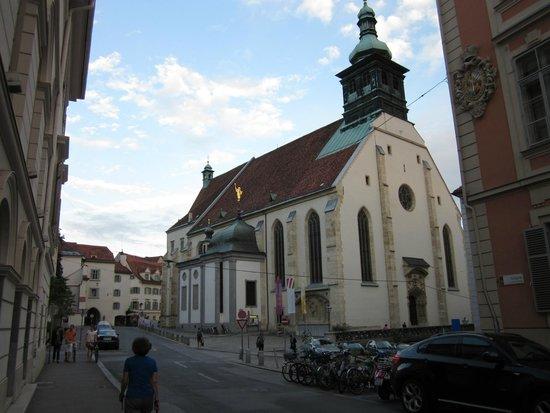 Cathedral (Domkirche) : Außenansicht