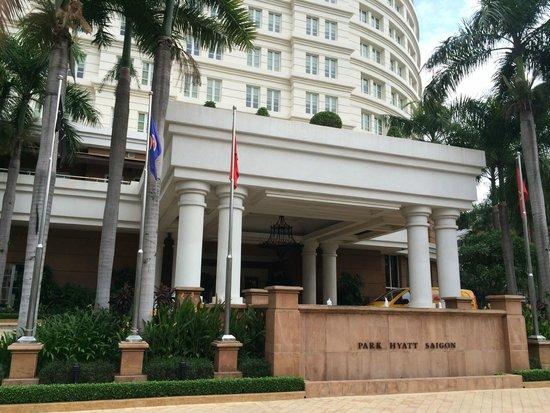 Park Hyatt Saigon : Main entrance