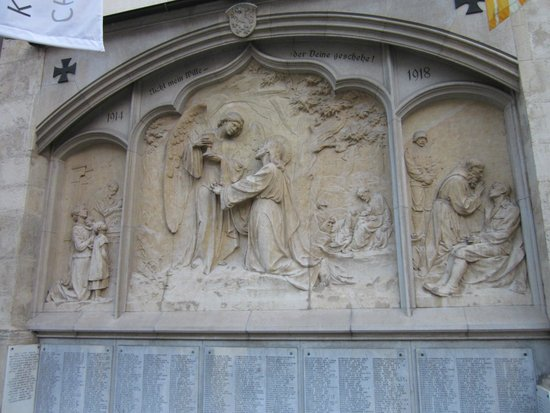 Cathedral (Domkirche): Relief 3 Plagen