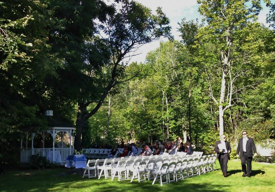 The Wentworth: Outdoor wedding venue- quaint & romantic