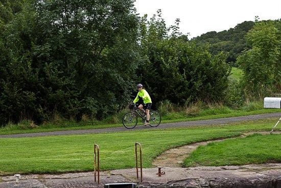 Cycling the Crinan Canal