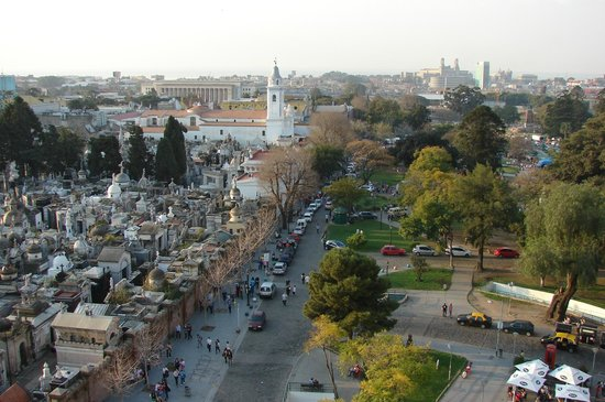 Cyan Recoleta Hotel: Vista desde la habitacion, cementerio de Recoleta