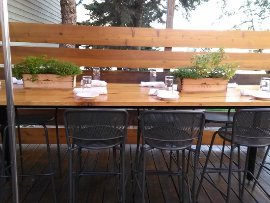 Bin 22: Fresh Herb Centerpieces on the Community Tables