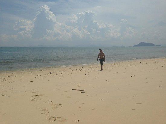 Koh Yao Yai: enjoying the beach