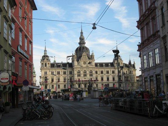 Rathaus mit Hauptplatz