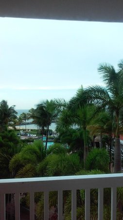Embassy Suites by Hilton Dorado del Mar Beach Resort: WOW