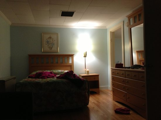 Biarritz Motel Suites & Apartments: Great Room :)