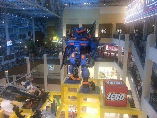 Mall of America: Indoor Giant Lego Display