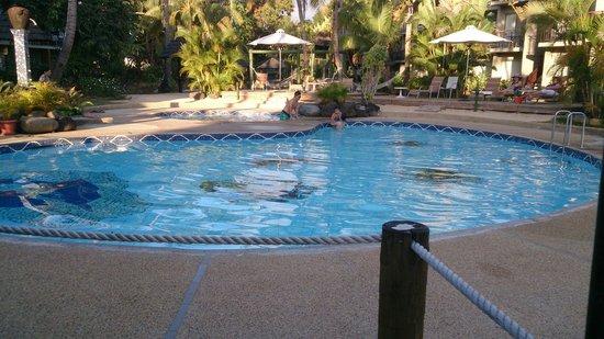 Mercure Nadi: La piscine: Froide, mais sympa...