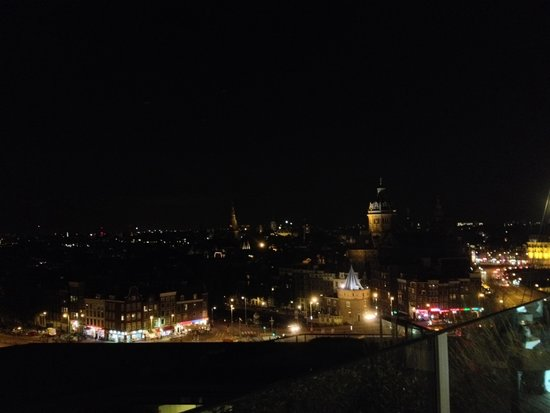 DoubleTree by Hilton Hotel Amsterdam Centraal Station: Vista aerea dal lounge bar