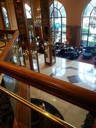 Hilton Minneapolis : View from lobby area on second floor