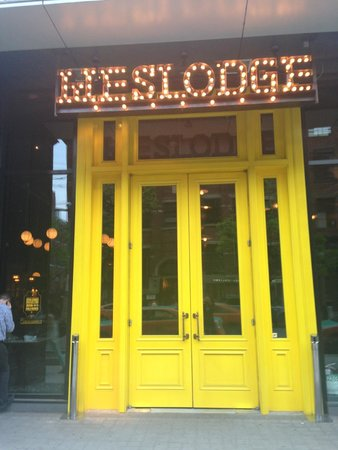 Weslodge Saloon