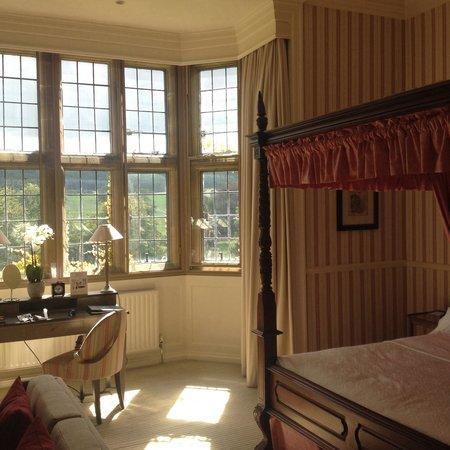Gisborough Hall Hotel: Fab 4 poster bed !
